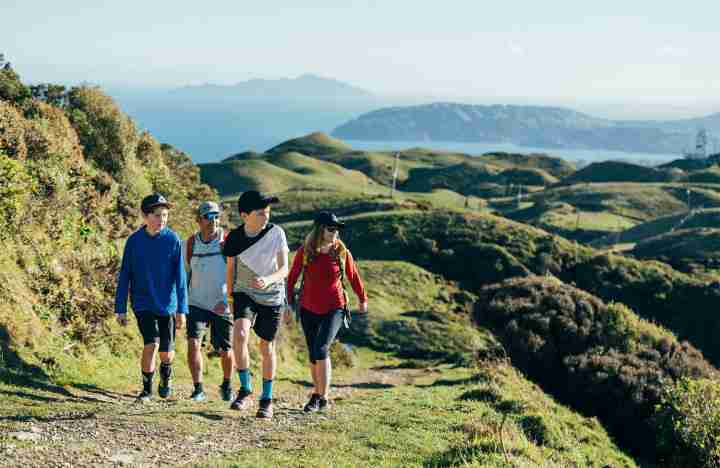 Te Ara a Rangituhi_Family walking and enjoying the gentle climb